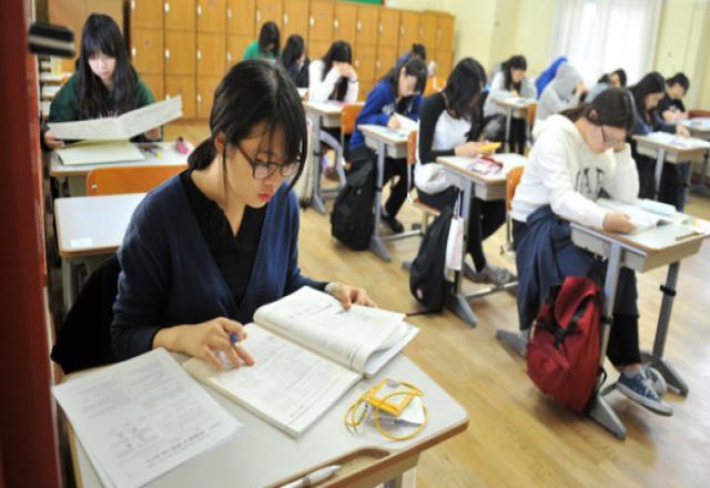 Bật mí cách học tiếng Hàn giúp bạn đạt điểm cao trong kỳ thi KLPT 2017 .