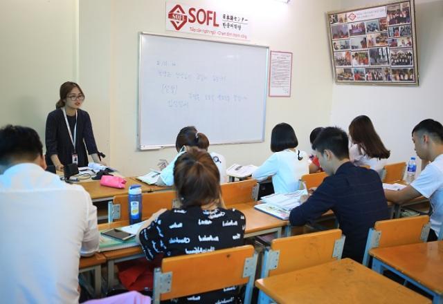 Lý do nên chọn lớp luyện thi TOPIK tiếng Hàn tại SOFL